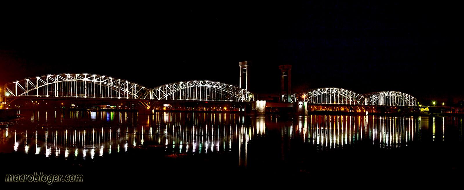 Ночная панорама Финляндского  моста