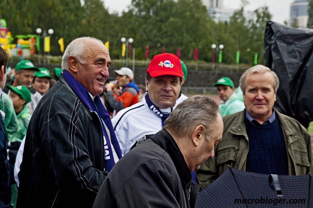 Крайний слева Золкин А.А.